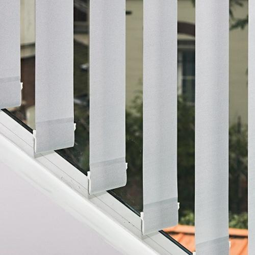 Store intérieur avec lames verticales